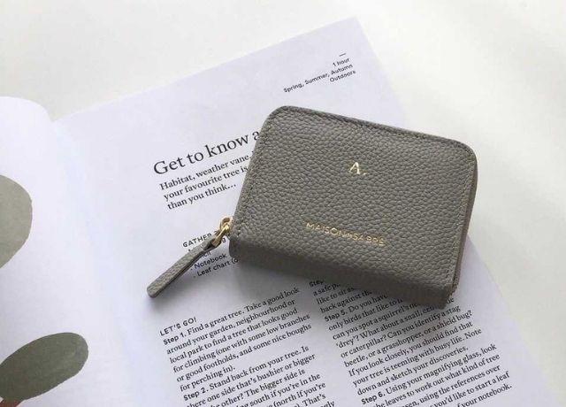 好きな文字を入れて自分だけのオリジナルに♡MAISON DE SABREの本革を使ったお洒落財布