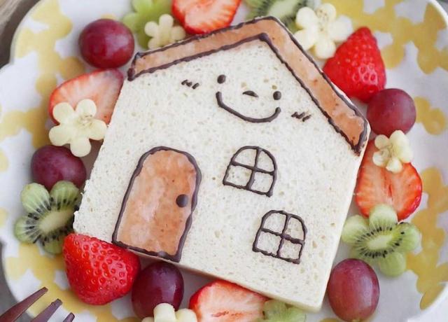 自宅で可愛いおうち型の食パンが焼ける♪cottaのおうち食パン型