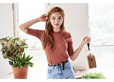 韓国ファッション初心者でも取り入れやすいクロードマノンの秋の新作アイテム