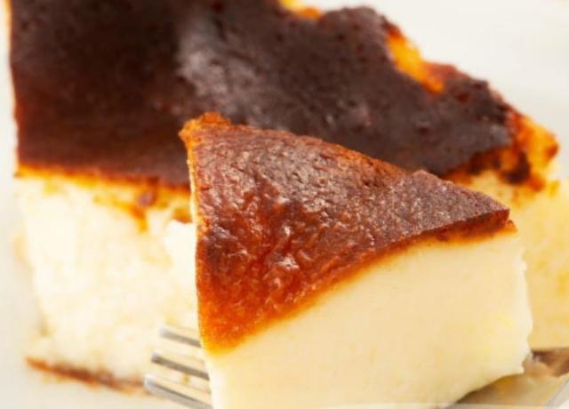 1ヶ月に2500個販売の売り切れ必至!母の日限定バスクチーズケーキが販売開始